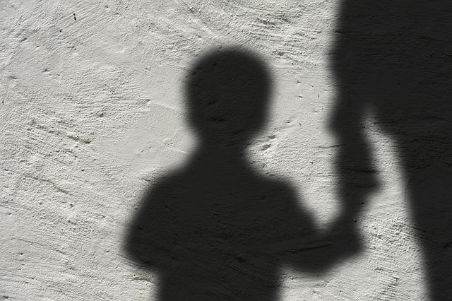 Když Dítě ovládá dospělého: Proč jsou staří lidé takoví?